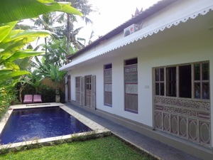 VILLA MARY UMALAS